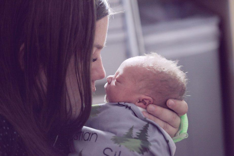 My Newborn Won't Sleep Unless Held – Should I Be Worried?